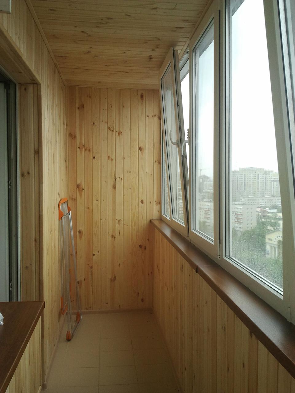 Фото идеи ремонта балконов вагонкой.